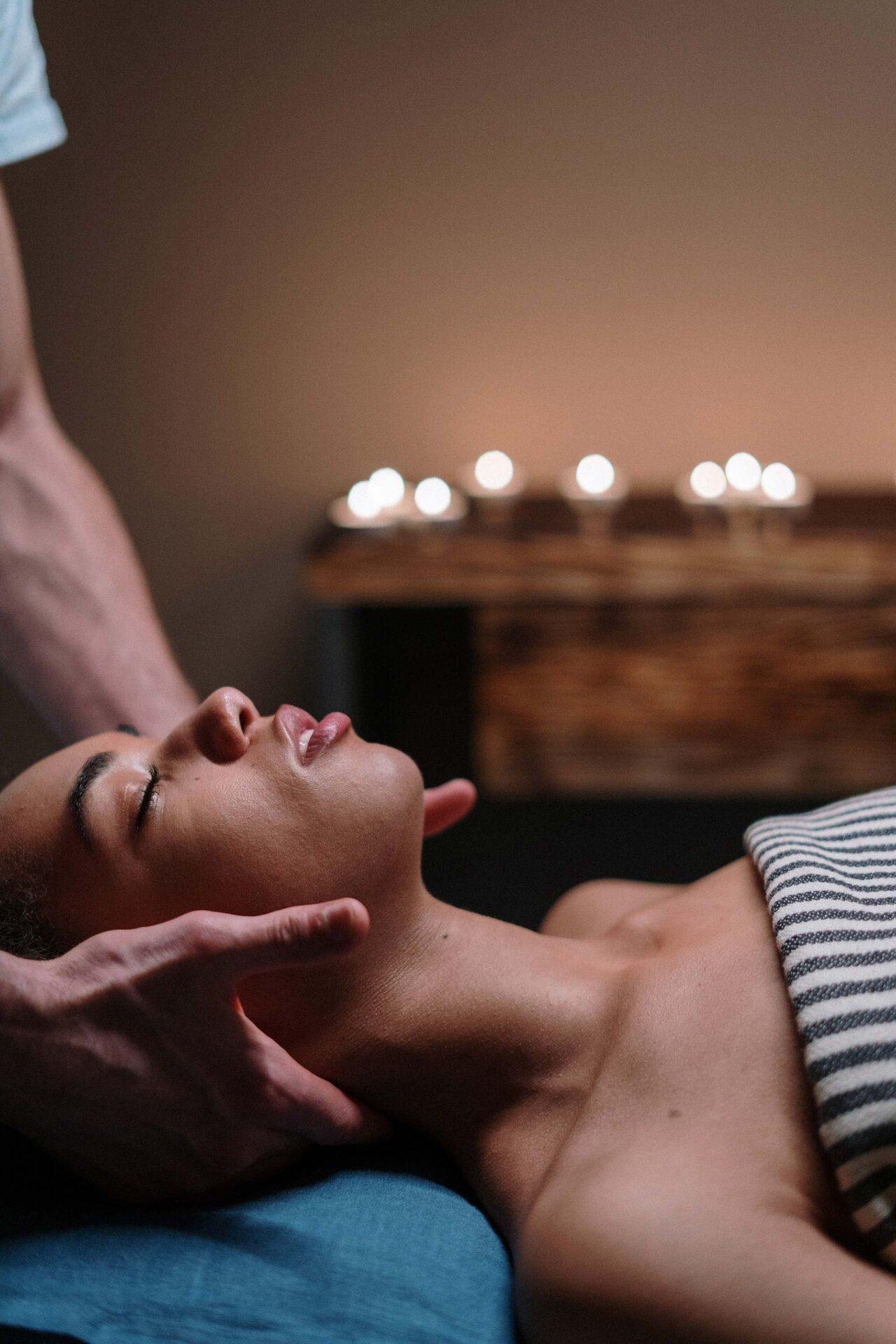 Massage détente thérapeutique Spa Arboressence